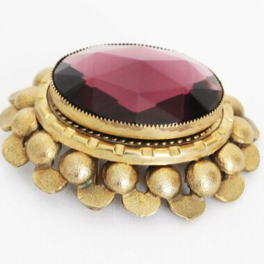 Jeanne 40s purple faceted vintage brooch