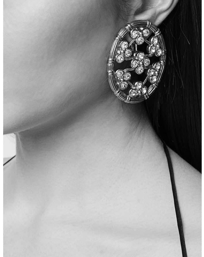 Gorgeous Christian Dior crystal flowers earrings of the 90s