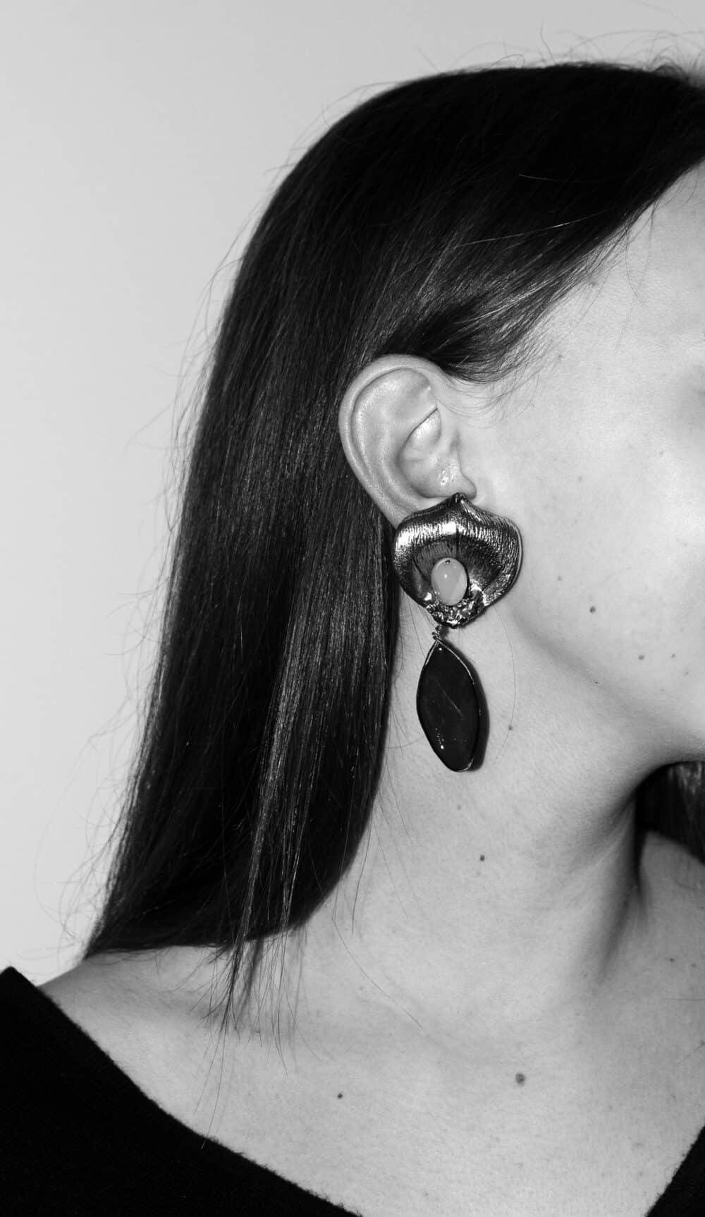 Les Paruriers Florilège Clip-on Earrings