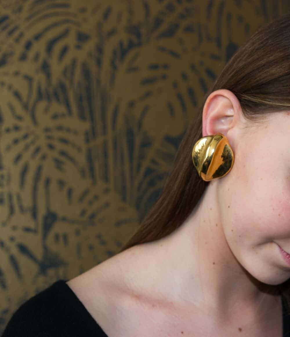 Unique Vintage Couture Clip-on Earrings Resin 80s