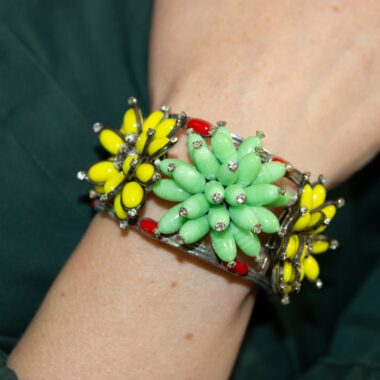 Rarissime Chanel Gripoix Vintage Cuff Yellow Green & Red 90s