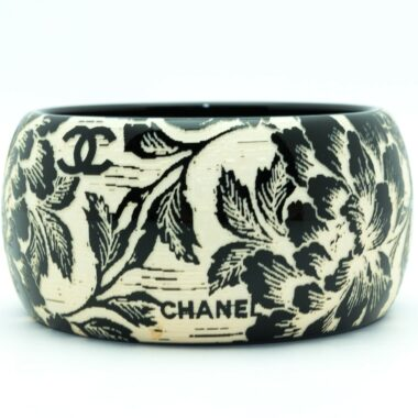Chanel vintage black & white flowers bracelet