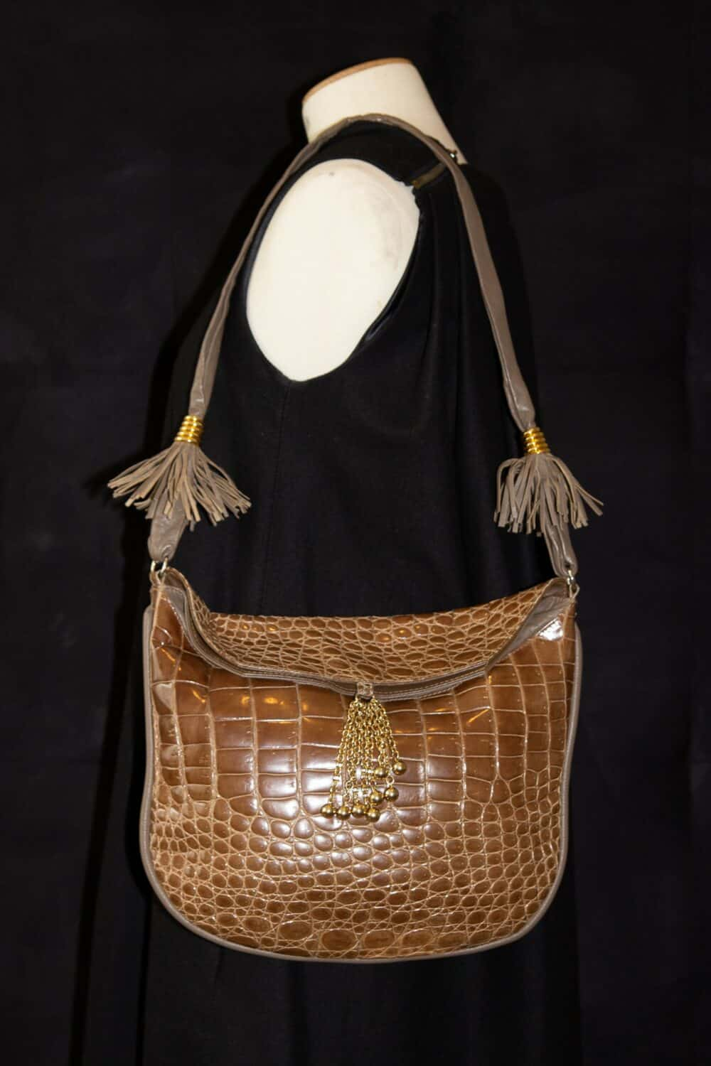 Unique Vintage crocodile camel fringe bag 80s