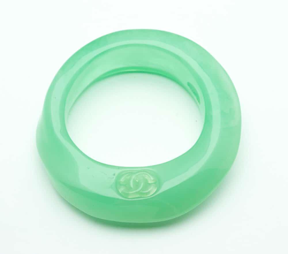 15-chanel-vintage-green-resin-bangle-collector-shop-katheleys-1 (2)