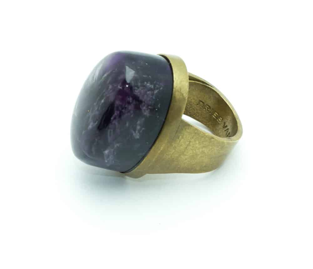 21-dries-van-noten-amethyst-cabochon-ring-shop-katheleys-vip-service-collector-jewels (4)